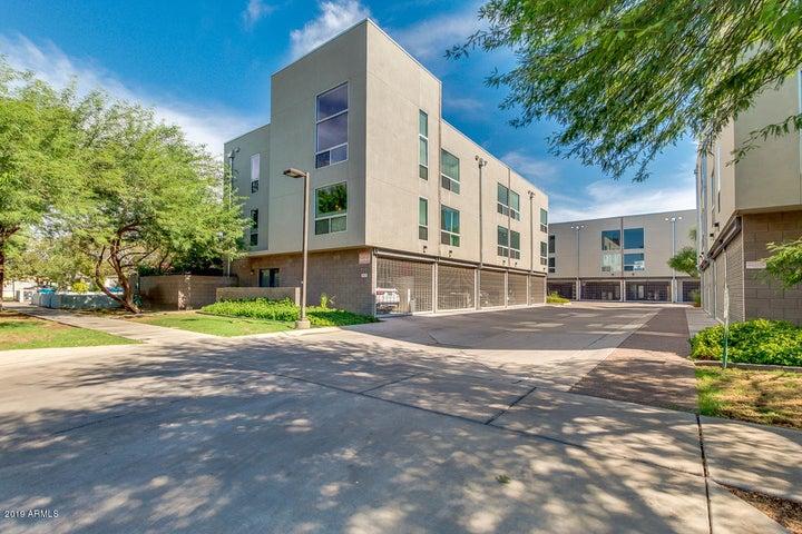 727 E PORTLAND Street 34, Phoenix, AZ 85006
