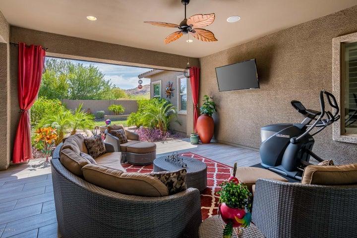8915 S 14TH Way, Phoenix, AZ 85042