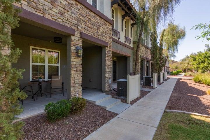 2226 E HUNTINGTON Drive, Phoenix, AZ 85040