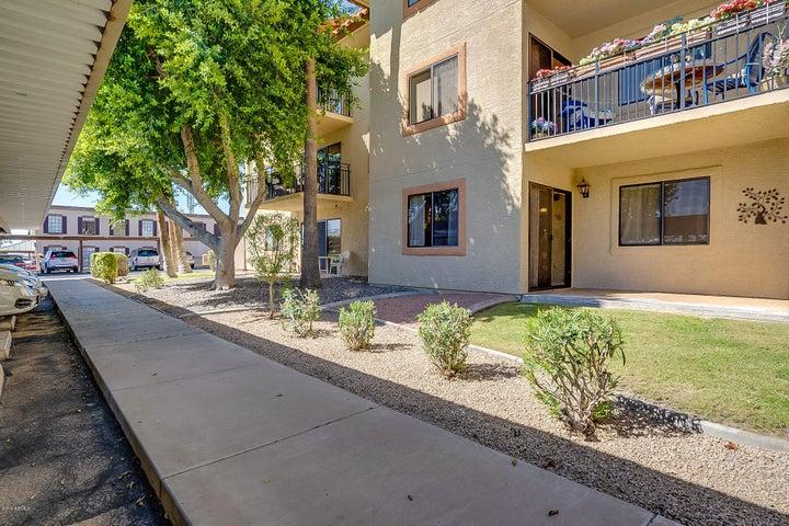 10330 W THUNDERBIRD Boulevard C124, Sun City, AZ 85351