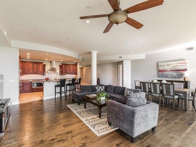 8 Biltmore Estate 208, Phoenix, AZ 85016