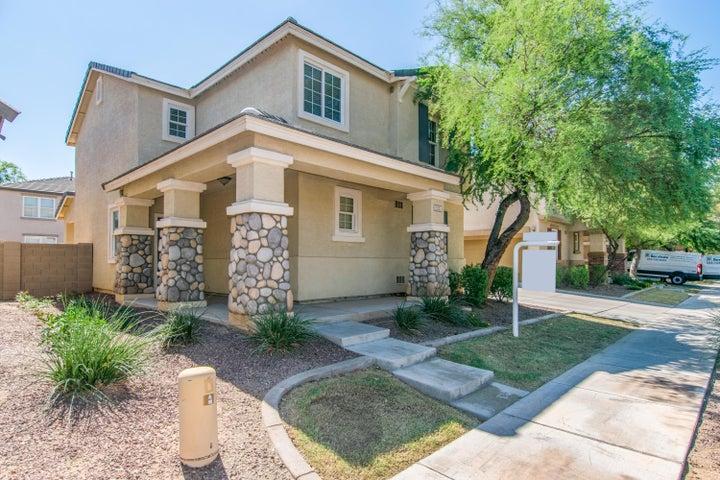 2241 E SUNLAND Avenue, Phoenix, AZ 85040