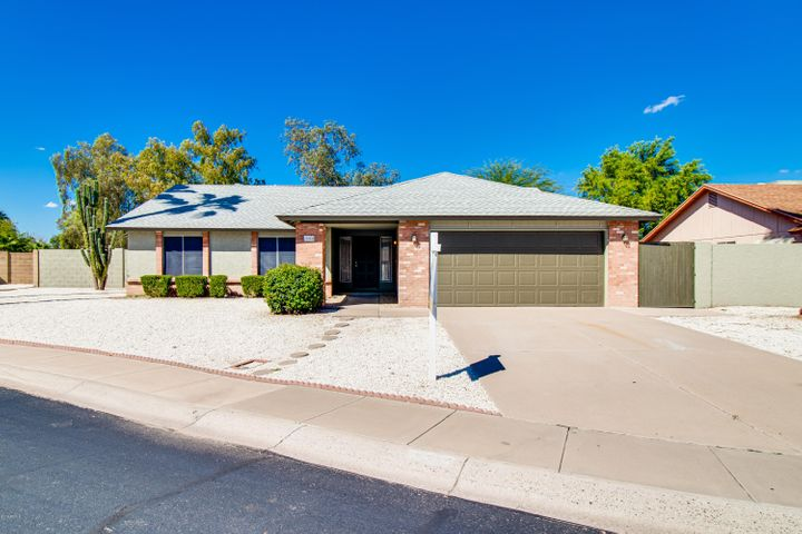 2332 W HIGHLAND Court, Chandler, AZ 85224