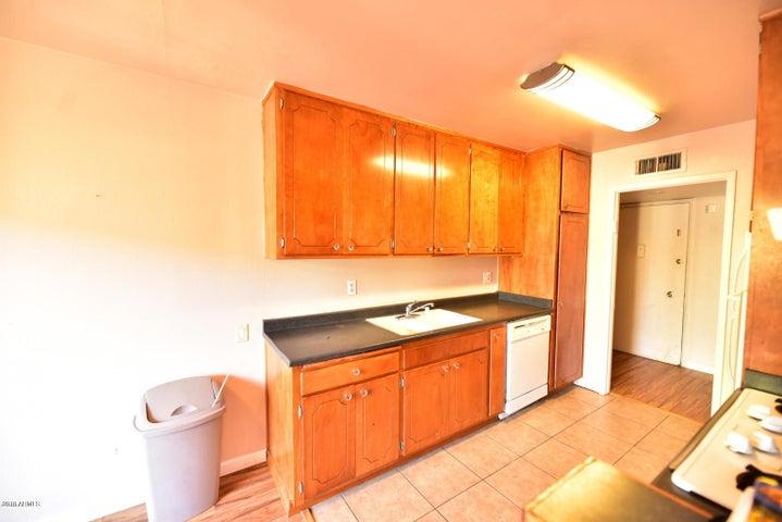 6767 N 7TH Street 218, Phoenix, AZ 85014