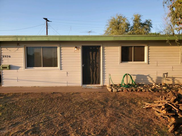4926 W CLARENDON Avenue, Phoenix, AZ 85031