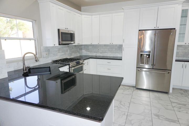 5015 E CHEYENNE Drive 35, Phoenix, AZ 85044