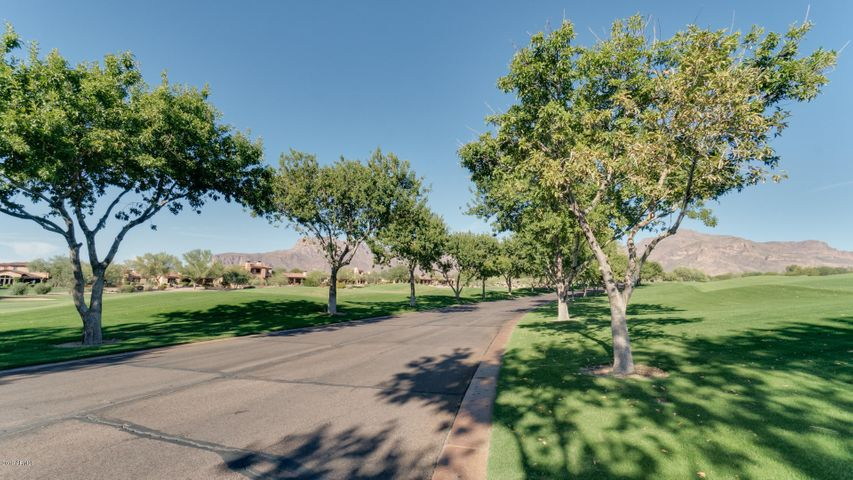 7504 E WILDFLOWER Lane Lot 6