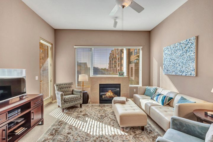 2302 N CENTRAL Avenue 209, Phoenix, AZ 85004