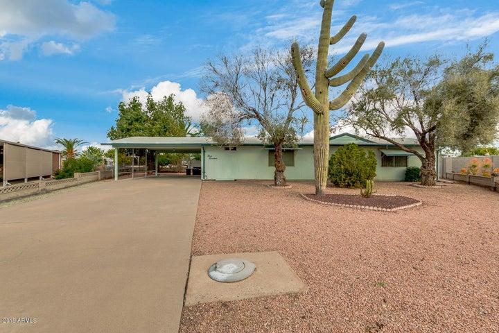 300 S 74TH Way, Mesa, AZ 85208