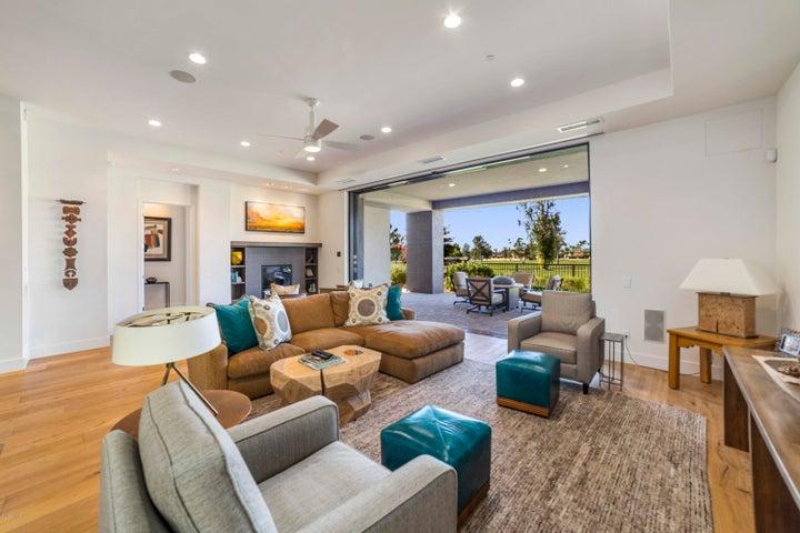 2 Biltmore Estate 106, Phoenix, AZ 85016