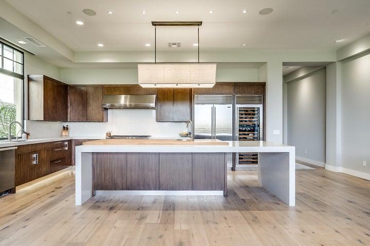 2 BILTMORE Estate 207, Phoenix, AZ 85016