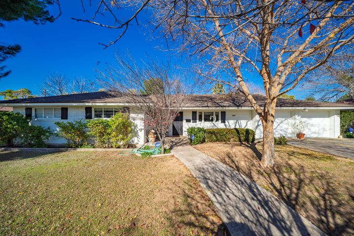 Welcome to this classic ranch home, located just off the iconic Murphy Bridle Path and near some of Central Phoenix's favorite dining spots. Situated on a 13,000+ lot, this charming residence features a functional, open layout that's perfect for entertaining guests or relaxing with the entire family. French doors and windows keep the interior spaces feeling light and bright, while vaulted ceilings in the family room and master suite draw your eyes toward views of the fantastic backyard. Outside, you'll find a sparkling pool, citrus trees, gazebo, outdoor kitchen, and plenty of grass to play on.