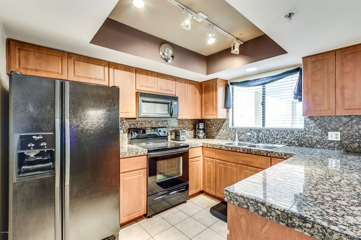 5104 N 32nd Street 317, Phoenix, AZ 85018