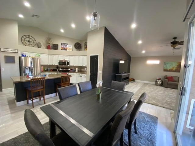 16821 S 44TH Street, Phoenix, AZ 85048