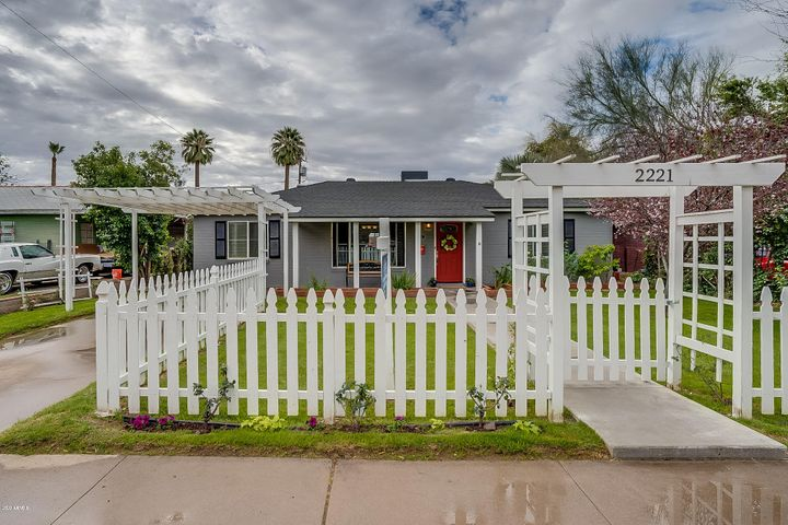 2221 E CLARENDON Avenue, Phoenix, AZ 85016