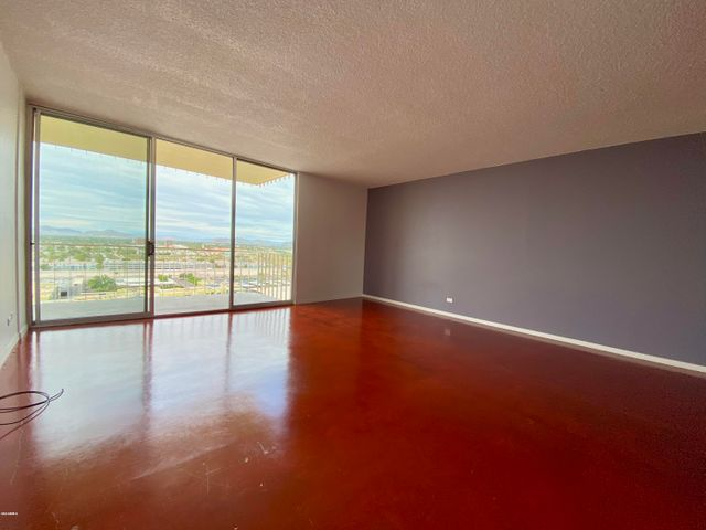 207 W CLARENDON Avenue 17D, Phoenix, AZ 85013