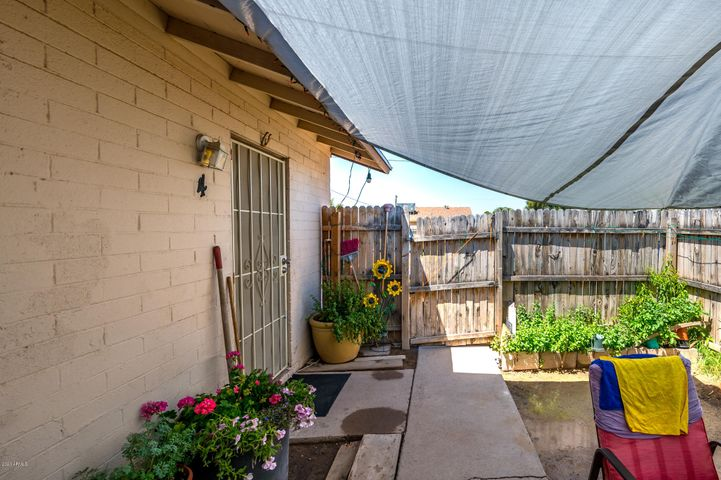 Market rent $850 per unit. Fully rented all two bedrooms one bath units with patios. All units have central air and newer roof 2018 and new dual pane windows. Current rents are below market at $610-$650. Raise rents by adding a washer, hook up in kitchen. Electricity individually metered. All facts and figuers are approximate buyer verify MLS information. Drive by only.