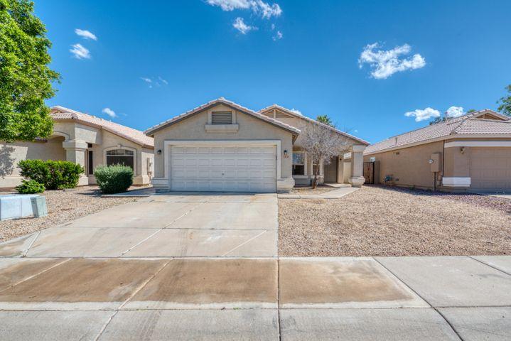 Welcome home to this remodeled family home! The bright kitchen and open living space are perfect for entertaining or relaxing with the family. Three spacious bedrooms provide plenty of space. The backyard has a beautiful pool ready to enjoy! Don't wait, schedule your showing today!