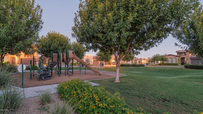 18546 E MOCKINGBIRD Court