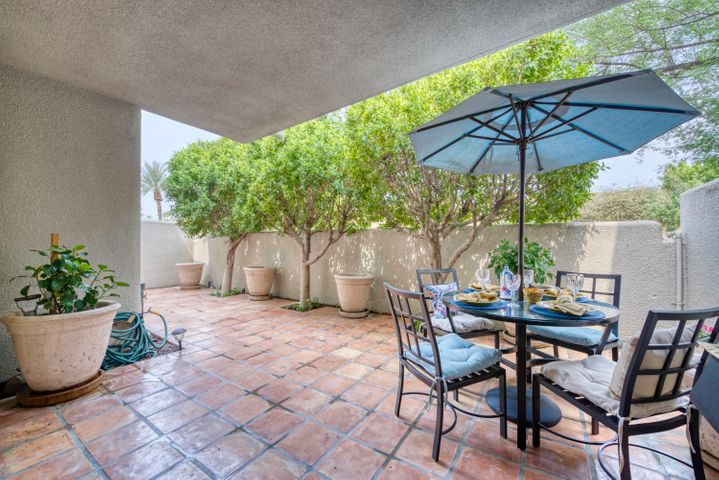 This single level, ground floor townhome has just been completely renovated with high end designer finishes for your enjoyment. Located across from the heated pool and spa, community tennis courts and clubhouse for recreation and relaxation. Second bedroom can be set up as an office, second bedroom with two twins or a queen at tenants request. The Arizona Biltmore Hotel/Golf Course and the Esplanade nearby offer world class shopping, dining and entertaining. Only 15 minutes from Sky Harbor airport. Views of Piestowa peak and features one of the largest patios in the Biltmore Courts community. Furnished option available. *Garage is currently being used as storage and not available for parking*