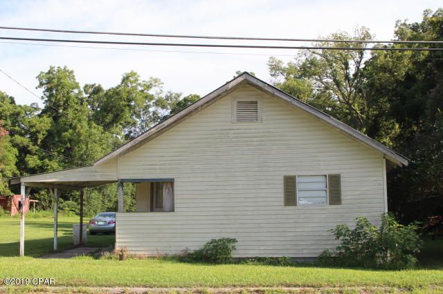 987 4th Avenue, Graceville, FL 32440