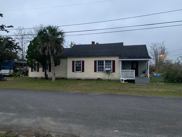 310 E 6th Street, Lynn Haven, FL 32444