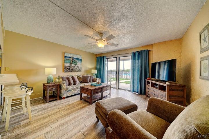 8727 Thomas Drive, D12, Panama City Beach, FL 32408