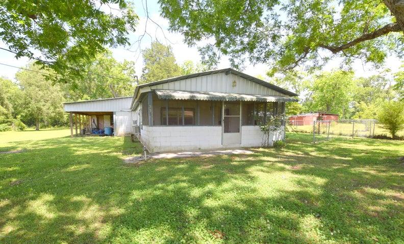 553 2nd Street, Chipley, FL 32428