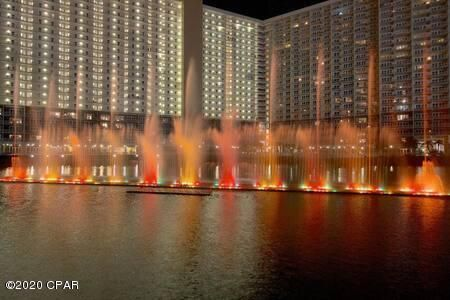 Nightly fountain show