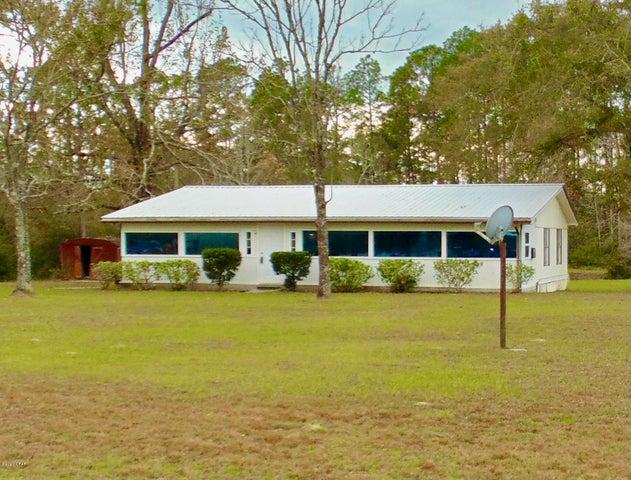 961 Wildwood Circle, Chipley, FL 32428