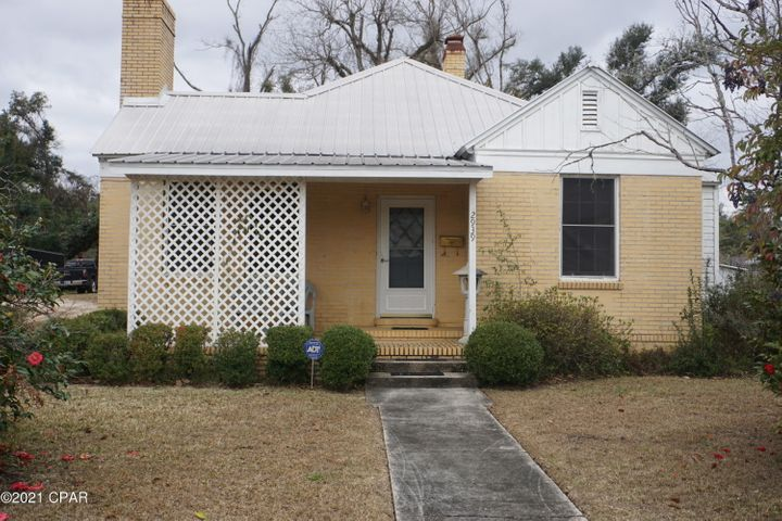 2939 Russ Street, Marianna, FL 32446