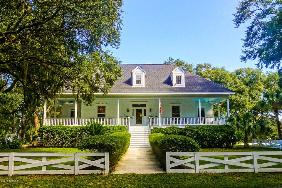 161 Coosaw River Drive, Beaufort, SC 29907