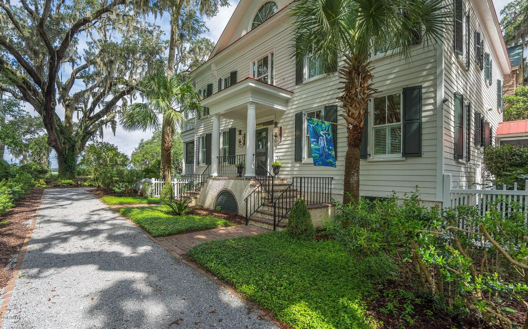 1 Waterside Drive, Beaufort, SC 29907