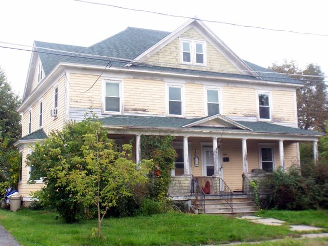 8 Courtland Place, Pittsfield, MA 01201