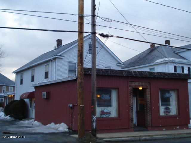 Iconic Restaurant & Bar