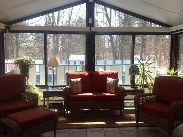 Fabulous Sunroom Looking Out @ Pool