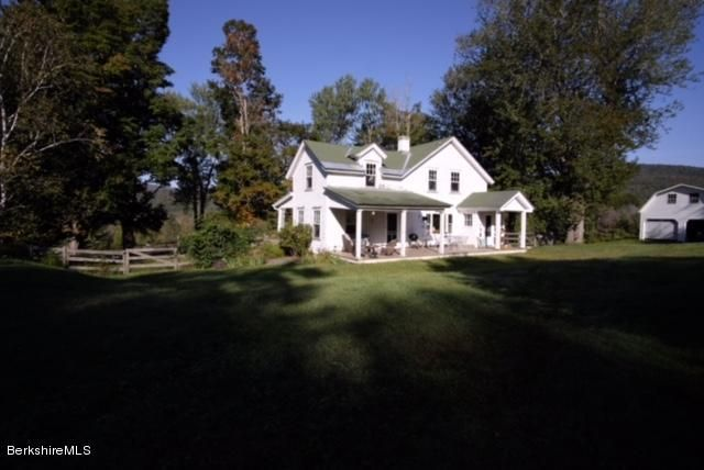 1484 East Rd, Stamford, VT 05352