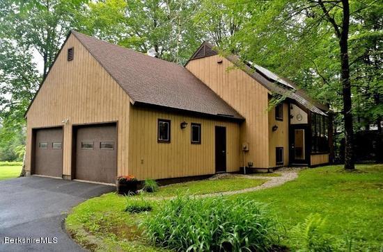 61 Greylock Estates Rd, Lanesboro, MA 01237