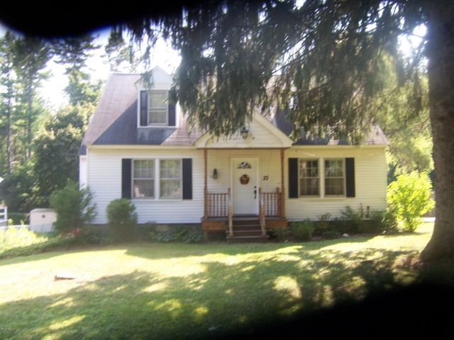 37 ROSELYN Dr, Pittsfield, MA 01201