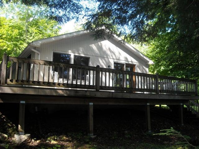 141 Trail Cir, Becket, MA 01223