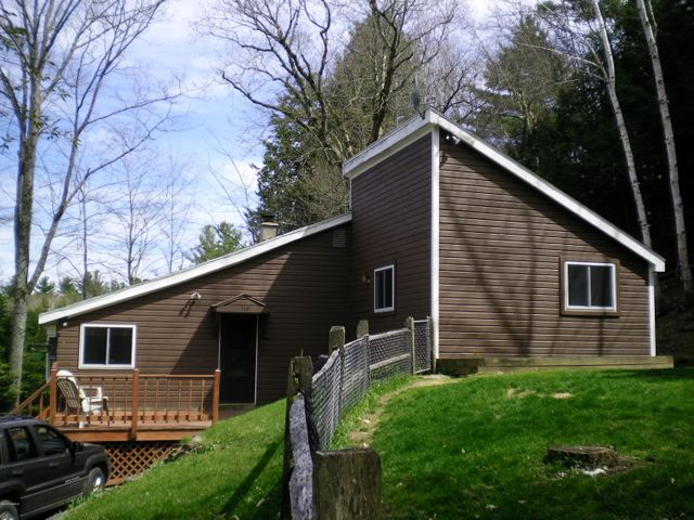 110 South Shore Rd, Hinsdale, MA 01235