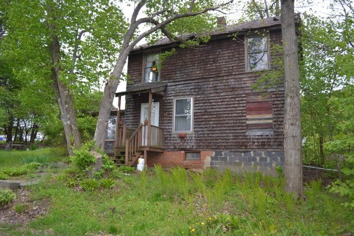 45 West Pine St, Lee, MA 01238