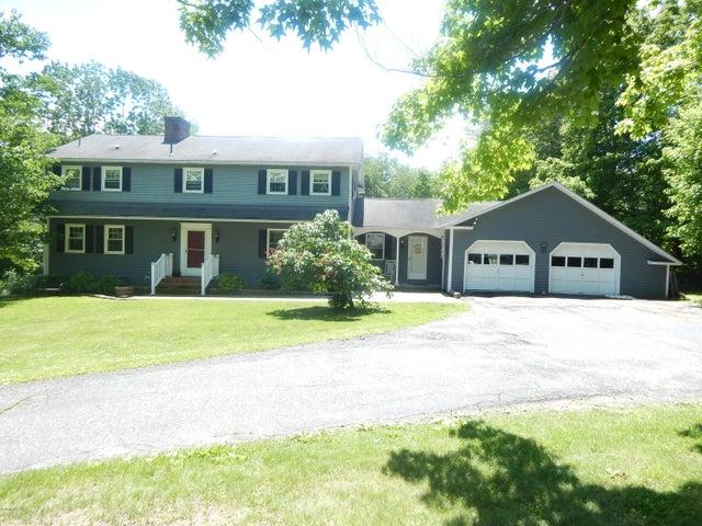 425 Devon Rd, Lee, MA 01238