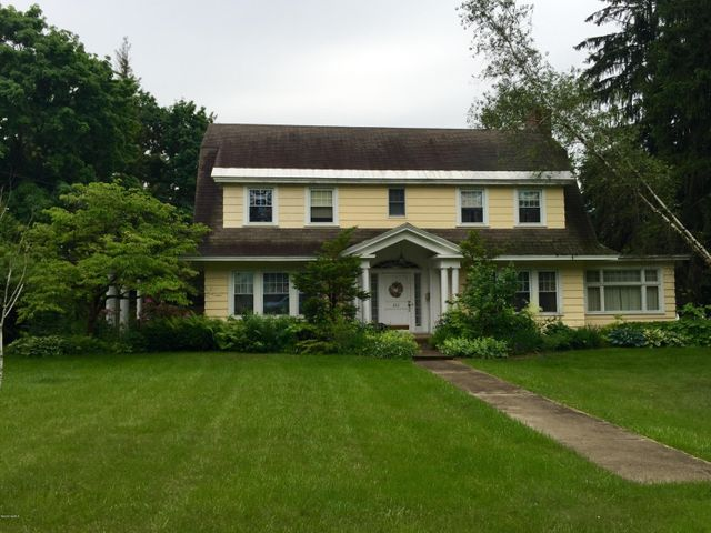 222 Dawes Ave, Pittsfield, MA 01201