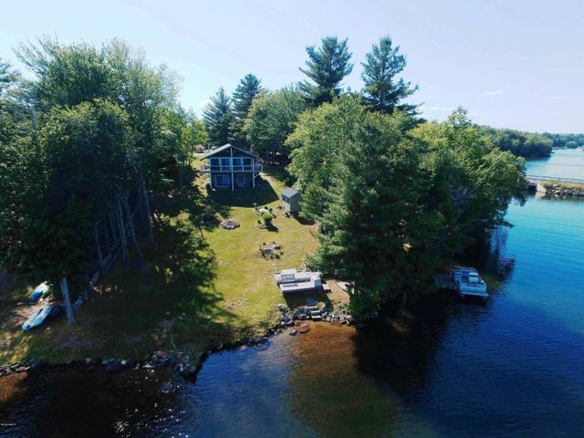 42 Lakeview Cir, Hinsdale, MA 01235