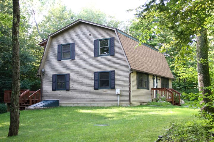 410 East LONG BOW Ln, Becket, MA 01223
