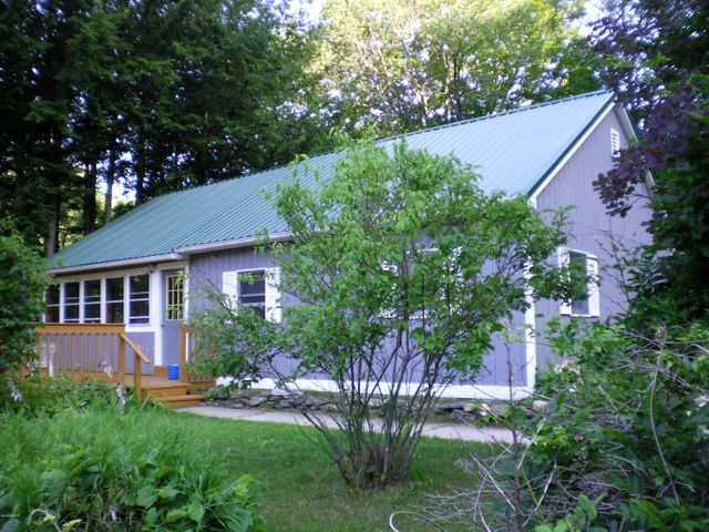 95 Old State Rd, Lanesboro, MA 01224