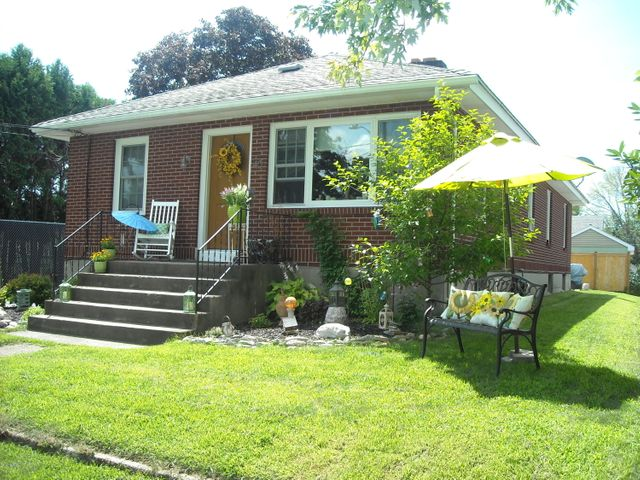 40 Herie Ave, Pittsfield, MA 01201