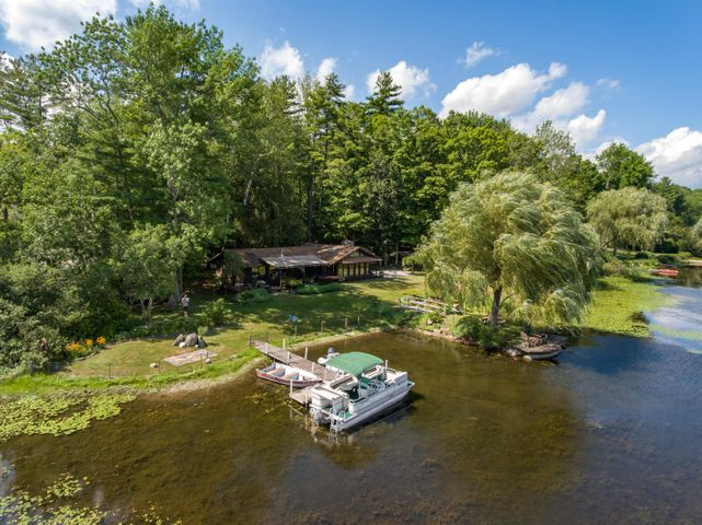 44 & 46 Lake Dr, Stockbridge, MA 01262