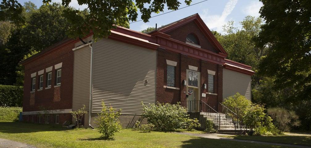 201 North Summer St, Adams, MA 01220